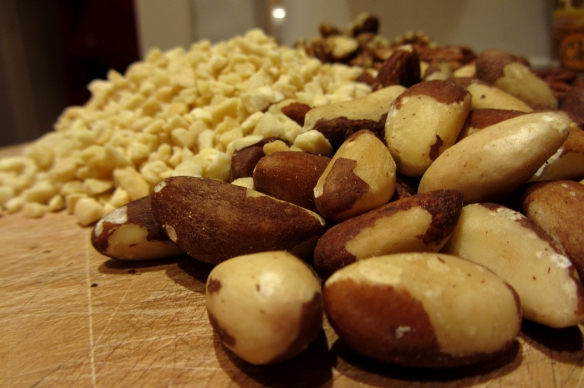 Nuts and chopped almonds