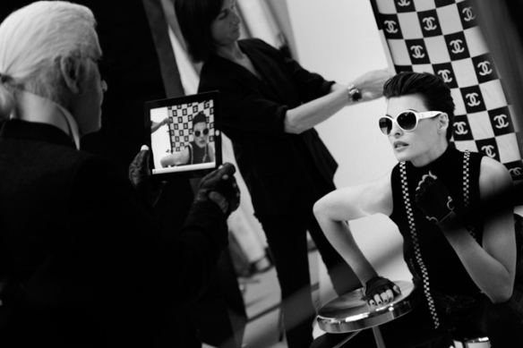 chanel-avril-2012-eyewear-making-of-campaign-04