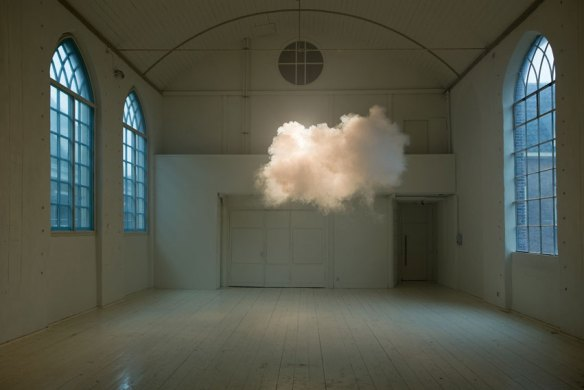 Indoor_clouds_Berndnaut_Smilde_Hotel_Maria_Kapel
