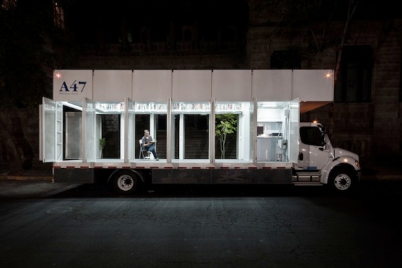 1500-Book-Library-On-Wheels-in-Mexico-City-18