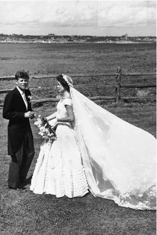 wedding_dress_Jacqueline_Kennedy