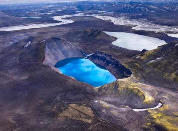 Aerial photography of Iceland by Andre Ermolaev_02