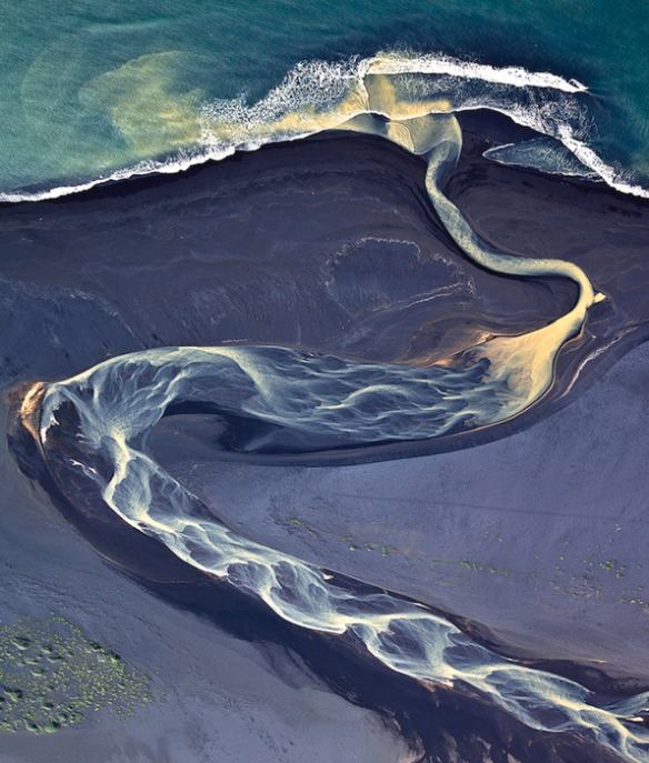 Aerial photography of Iceland by Andre Ermolaev_03